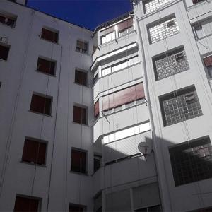zaymo-_0002_verticales_pintado_fachada.02